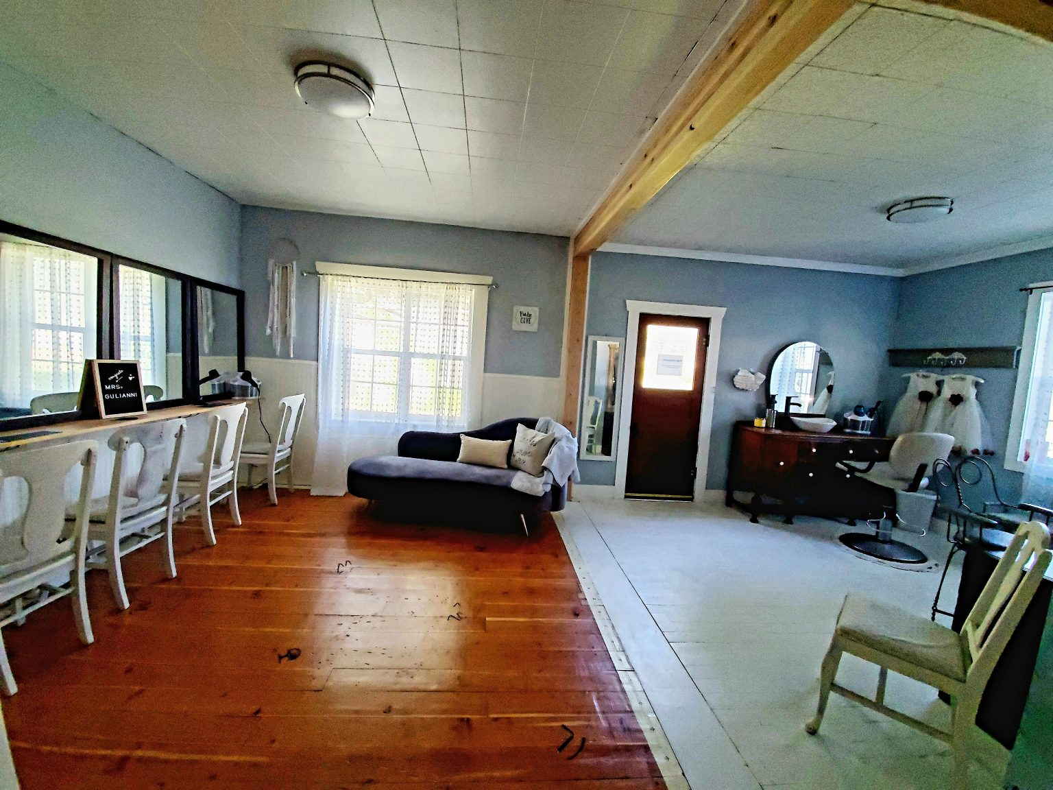 Enjoy the Bridal Suite with 6 make up stations and a full bathroom!