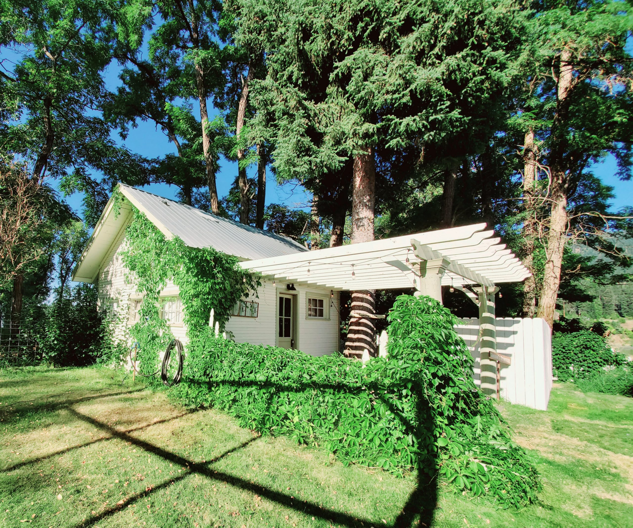 grooms cabin